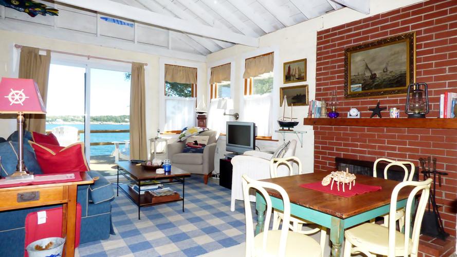 LobsterCliff Living Room