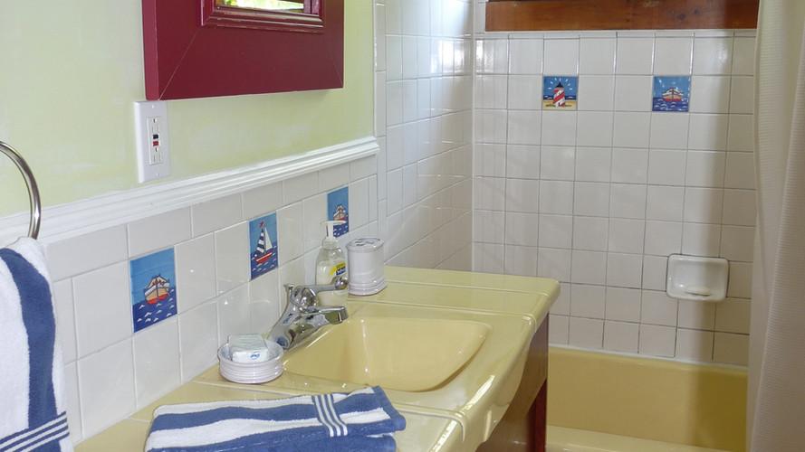 LobsterCliff Bathroom