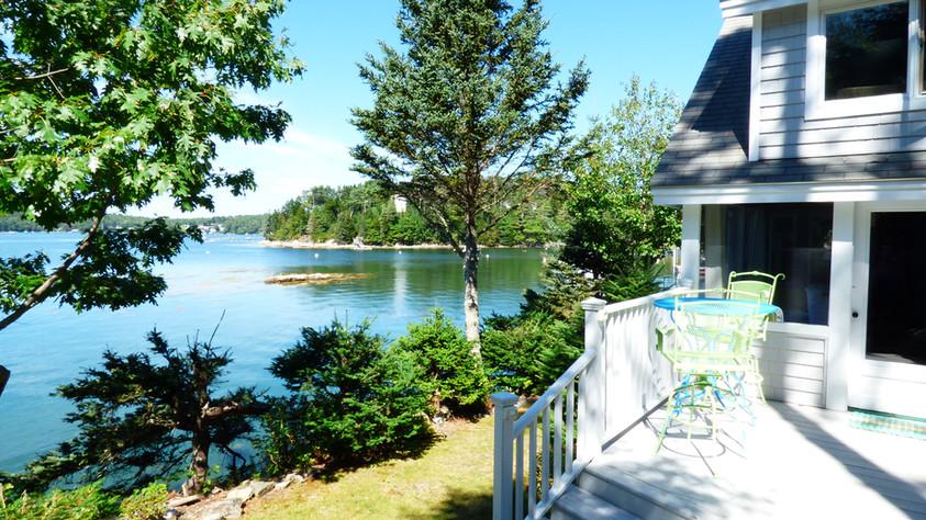 SeasGlass Cottage  - Front Porch