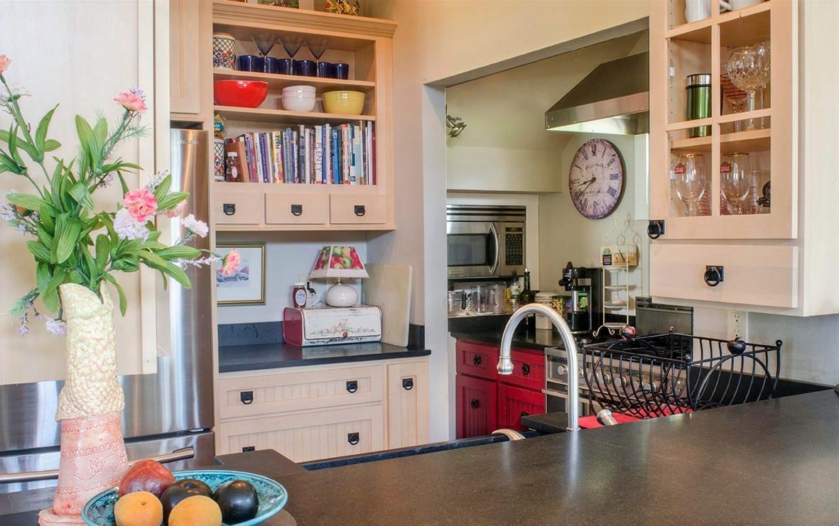 Grand View Kitchen