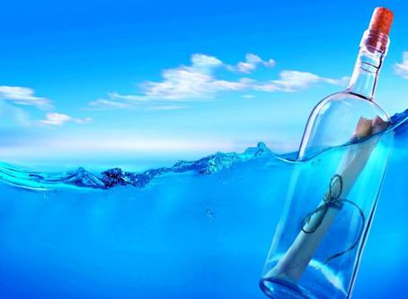1. Une bouteille dans l'eau