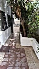 شقة ارضية للبيع في عمان 100 م وساحة خارجية 100 م من المالك مباشرة
