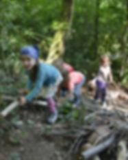 Waldspielgruppe Pimpinella, klettern und spielen