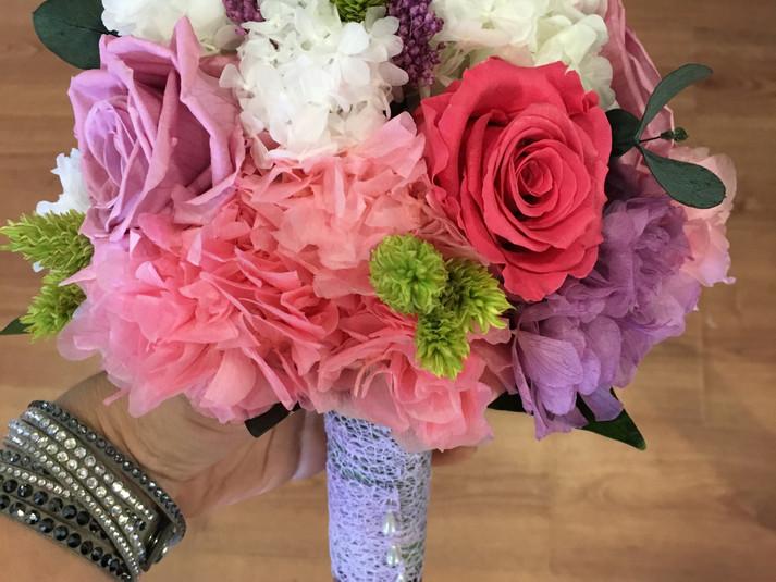 ramo de novia liofilizado hortensias y r