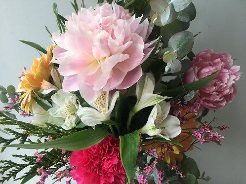 Ramo Peonia y flor variada
