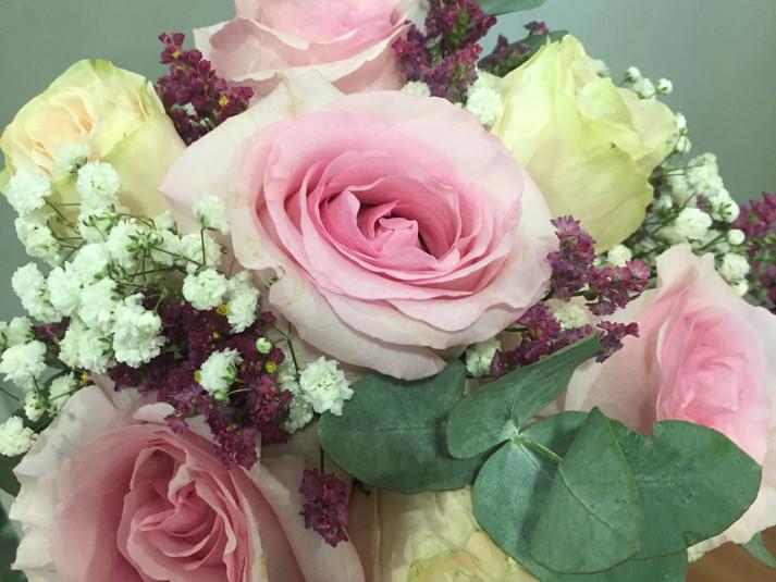 ramo de novia rosas rosadas y blancas.JP