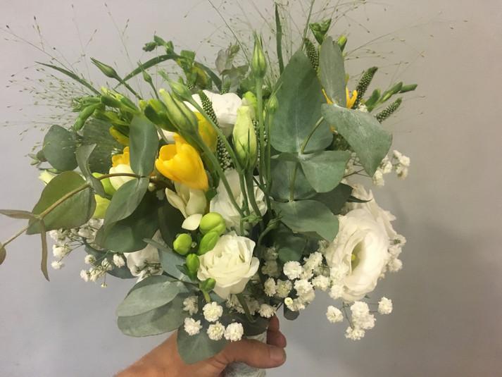 ramo de novia lisianthus y fressia amari