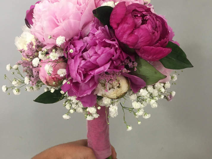 ramo de novia peonias rosa fucsia.JPG