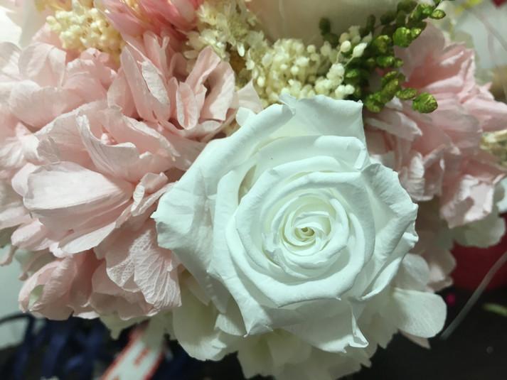 ramo de novia liofilizado rosa blanca ho
