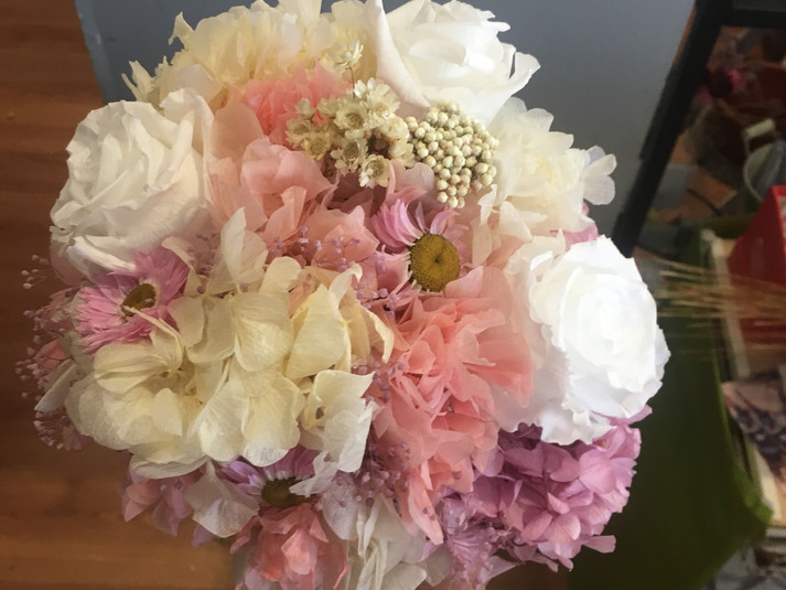 ramo de novia liofilizado hortensia blan