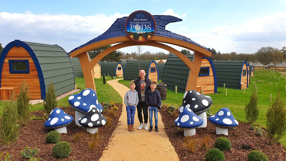 Daddy & Dad visit the Stargazing Pods at Alton Towers Resort