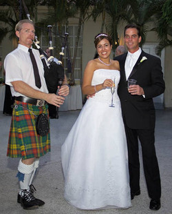Bagpipe w couple