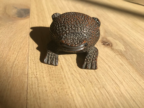 Antique Treen Frog Snuff Box