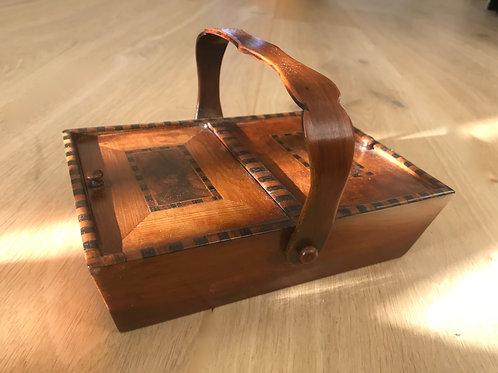 Antique Killarney Pannier Box