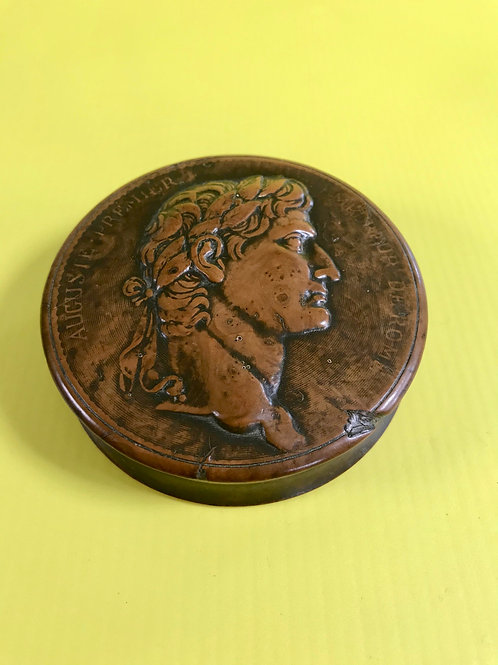 Antique Pressed Wood Snuff Box - Augustus