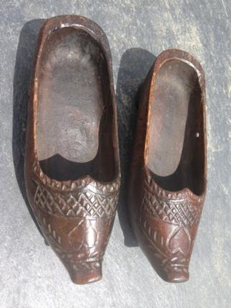 A Pair Of Antique Treen Crib Shoes