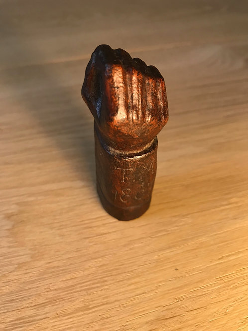 Unusual Snuff Box - pinch of snuff