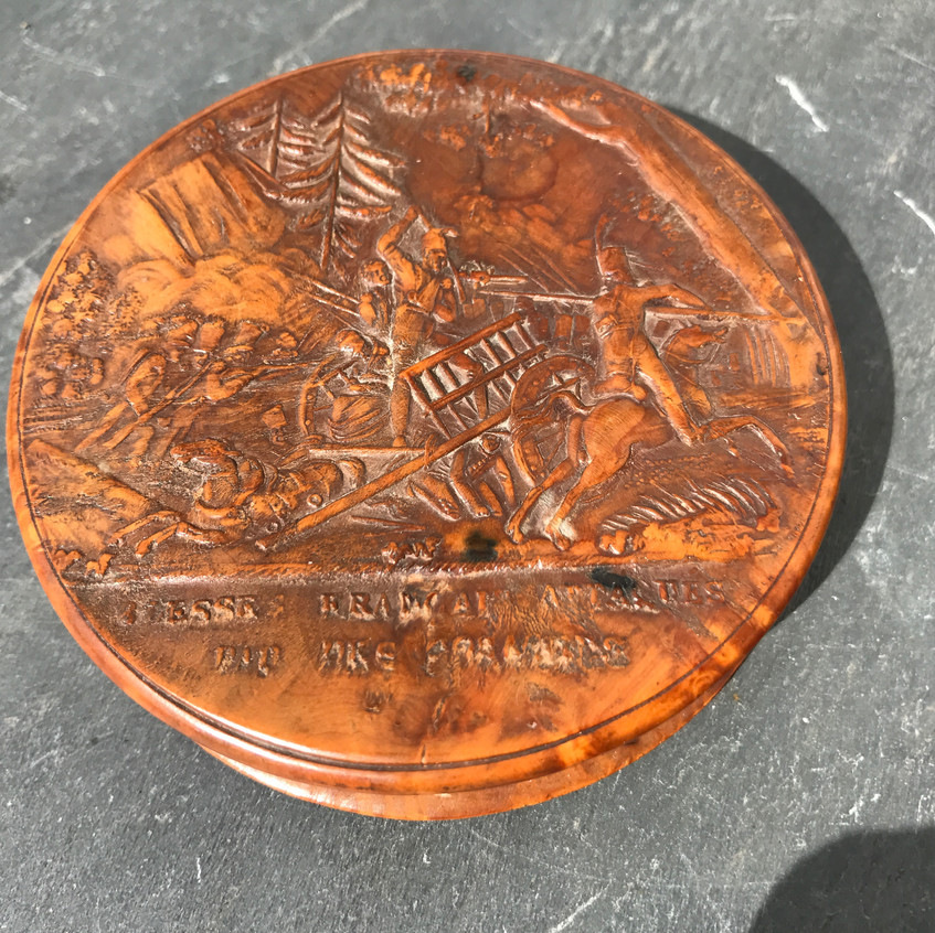 Antique snuff box - pressed wood