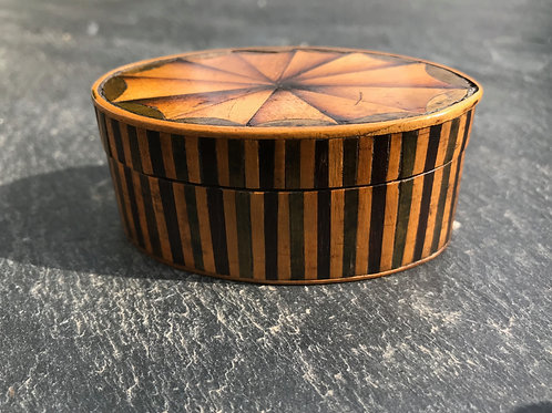 Antique Georgian Snuff Box - inlaid lid and sides