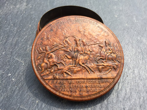 An Antique Pressed Maple Snuff Box