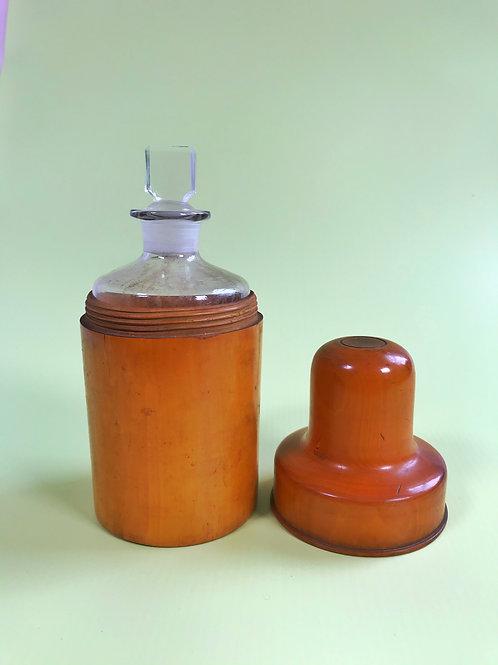 Antique Boxwood Bottle Case