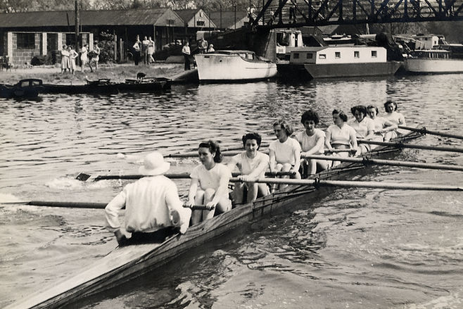 Stuart Ladies R.C. rowing on the River Lea
