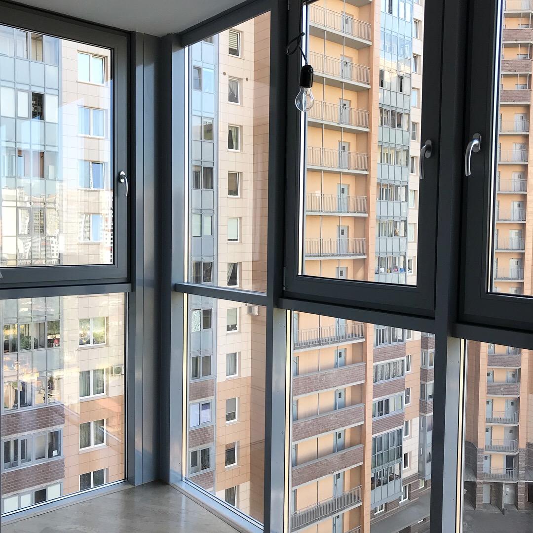 фото квартир с витражным остеклением перспективный