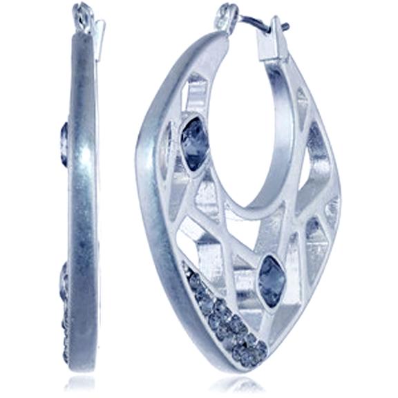 Silver laser cut Earring.