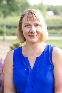 Kristen Dammer, a therapist at Catalyss Counseling in Englewood CO helping Colorado adults with postpartum depression and postpartum anxiety in Denver CO 80209 and 80210