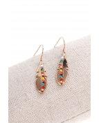 boucle d'oreille crochets feuille perle colorée or rose