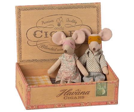 Maileg Souris maman et papa dans une boîte à cigares