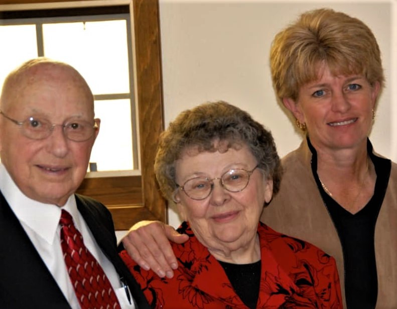 Cheri Kenyon with her parents Harold and Carol Kenyon.