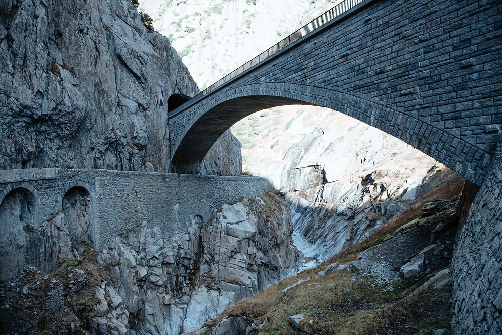 Photographie de la région d'Andermatt, en Suisse