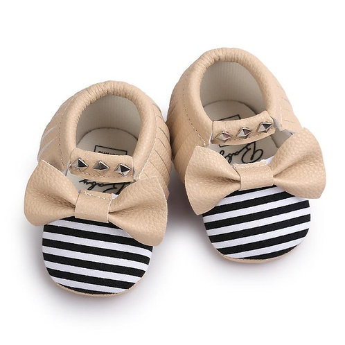 Tassle & Bowknot Striped Studded Leather Crib Shoes