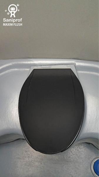 W.C. con tapa y asiento