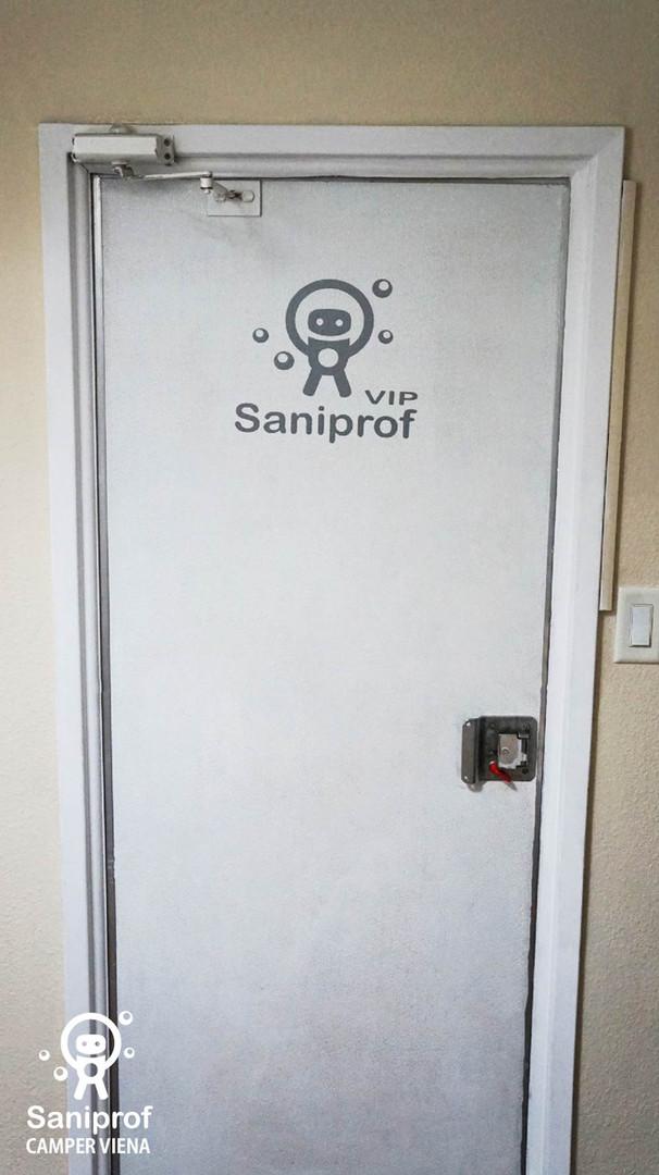 Puerta con cierre automático