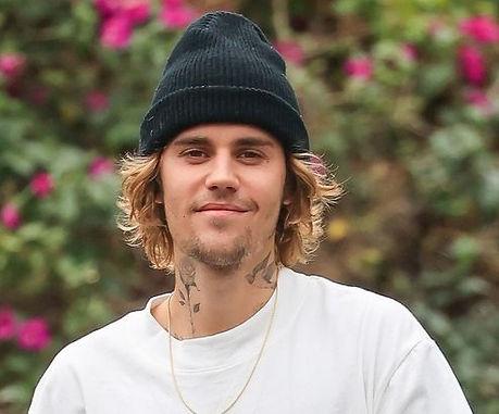 Justin Bieber attaque sa puberté