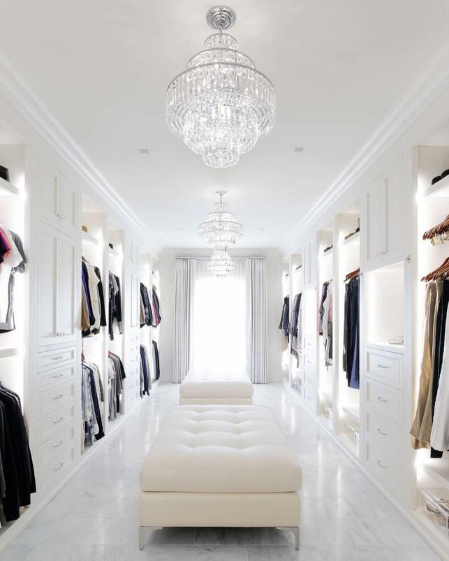 Täydellinen walk-in closet