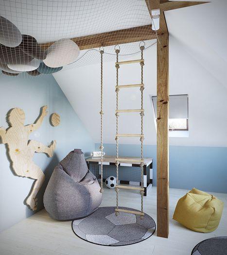 Pojan huoneessa on köysitikkaat ja riippumis köysi kiinnitetty kattopalkkeihin. Kattopalkkien väliin on vedetty verkko, jonka päälle voi kiivetä löhöilemään.