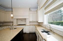 41_Kitchen.jpg