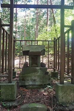 67.JPGShinmei-Gū Jōge-niza  神明宮上下二座