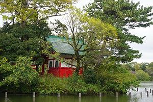 Senzoku Ike Benzaiten    洗足池弁財天