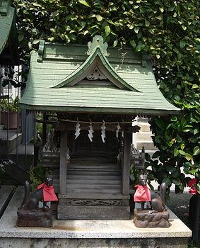 Hakuhō Inari Jinja 白宝稲荷神社