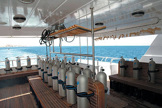 blue_Fin_DIVE_DECK_1_hi_res.jpg