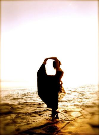 Sunset-cliffs-amber-yoga.jpg