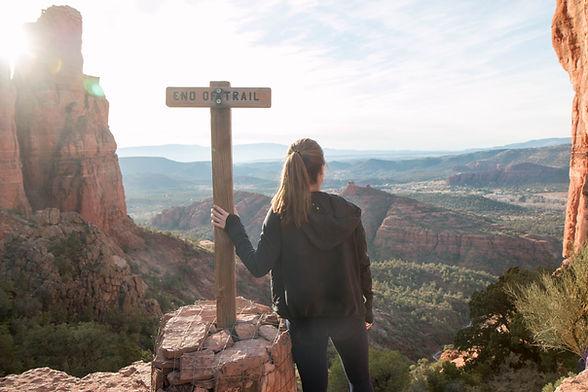 sedona-yoga-hiking-trail-cathedral-rock-