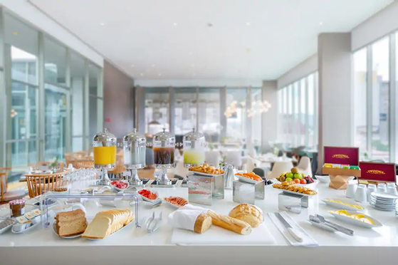 Torrey-pines-hilton-resort-breakfast.web