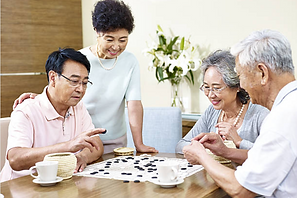 Asian Family Play Chess.png