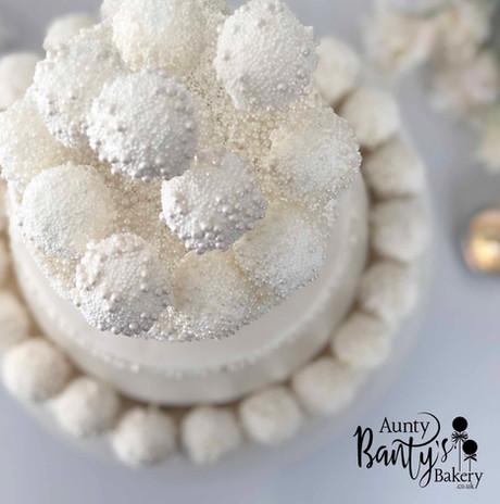 Pearl Drip Wedding Cake Image 8 with Log