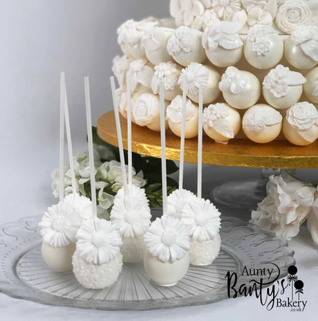 Floral Wedding Cake Image 9 with Logo LR